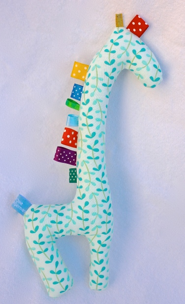 Gus and Ollie fabric baby taggy giraffe toy softie newborn Hamburg Germany