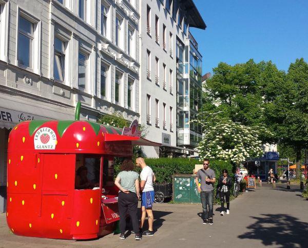 Strawberry Season, gus and ollie, hamburg, germany